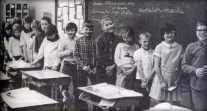 Iowa schoolchildren in Ms Elliot's class circa 1968